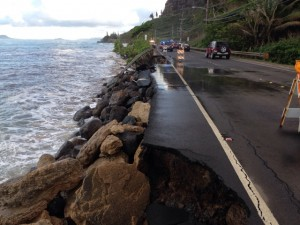 Kamehameha Highway in Kaaawa facing southbound